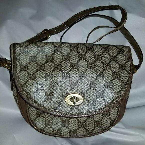 37eae905a0b Gucci Handbags - Gucci Supreme canvas shoulder bag vintage